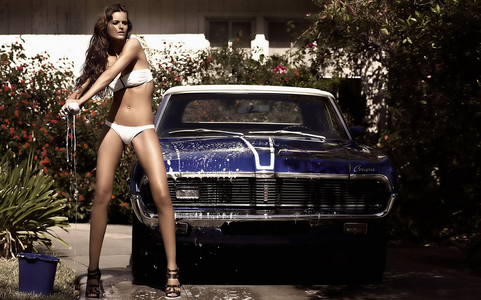 Lepotice i Zveri - Page 3 Cars-and-girls-wallpaper-1680x1050-05