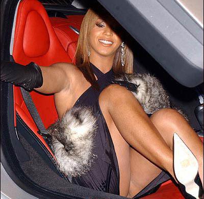 Gaćice koje su obeležile.... Beyonce0307
