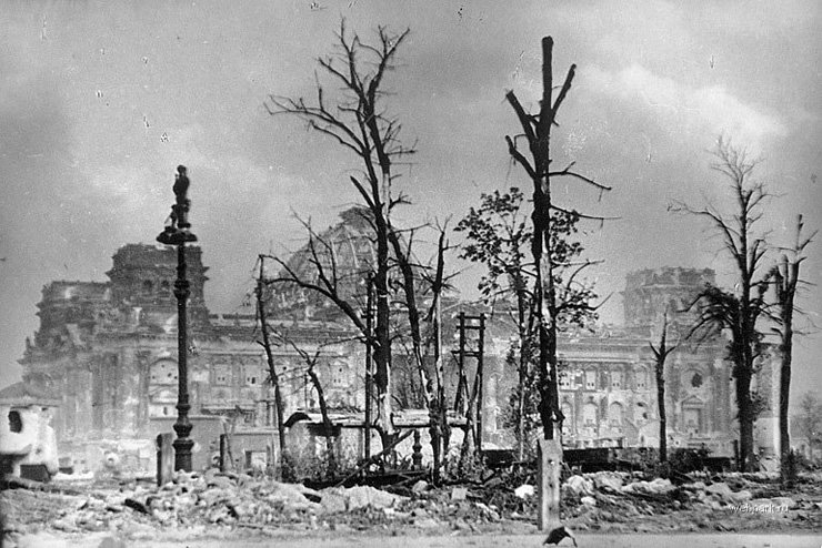 BERLIN. 1945 14