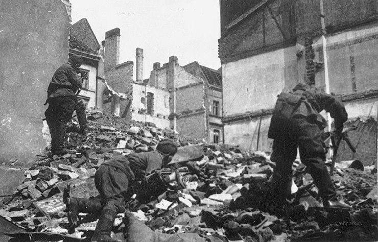 BERLIN. 1945 7