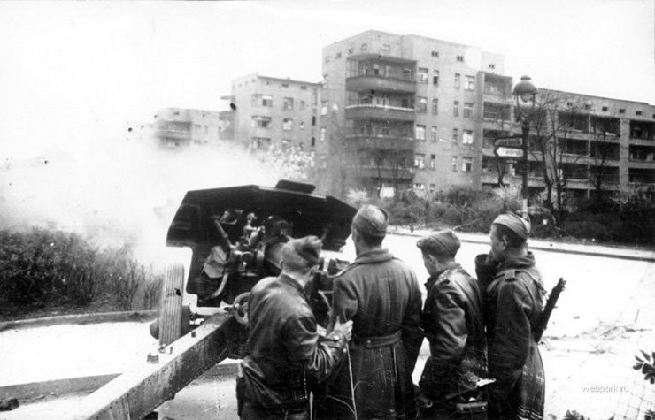 BERLIN. 1945 8