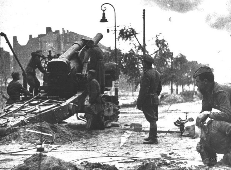 BERLIN. 1945 19