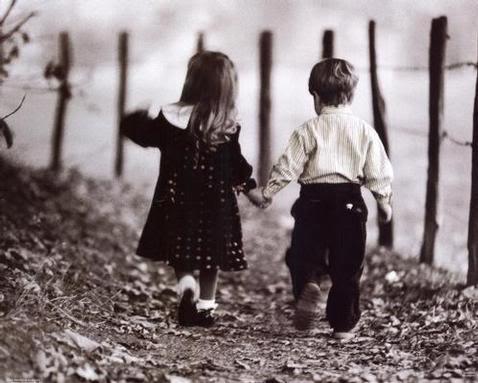 Volim te kao prijatelja, psst slika govori više od hiljadu reči - Page 4 Kids-friends-love-cards