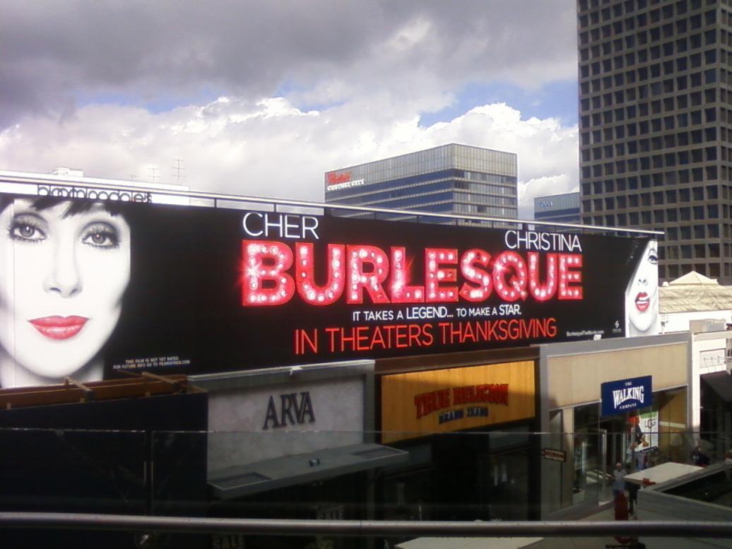 [Fotos] Comienza la Promo 'Burlesque' en las Salas de Cine (Reunamos Fotos) - Página 2 Centurycity3