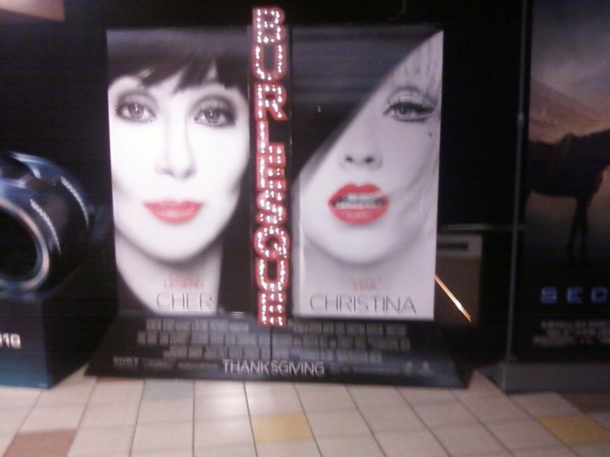 [Fotos] Comienza la Promo 'Burlesque' en las Salas de Cine (Reunamos Fotos) - Página 2 Burlesque