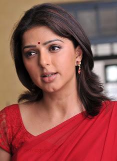 Bomika Chawla Indian Actress Bhumika_chawla_saree_thakita_thakita_01