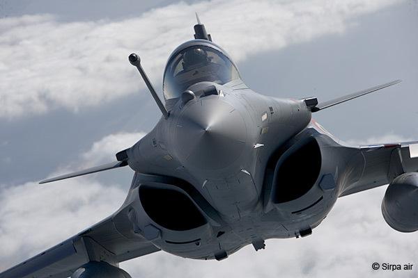 """الإتحاد الخليجي وإيران: مئات الطائرات الحديثة في مواجهة """"أسراب متهالكة"""" - صفحة 3 %D8%B1%D8%A7%D9%81%D8%A7%D9%84"""