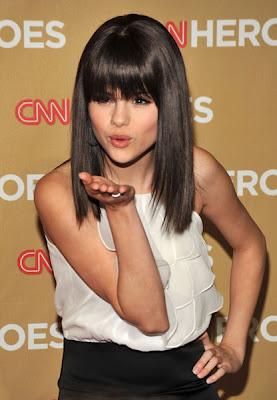 Naličite se kot Selena Gomez SelenaGomez_3