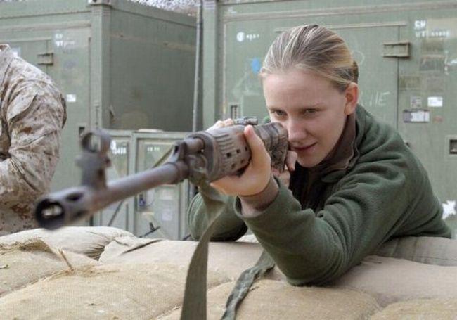 Le kaki au féminin - Page 2 Us_army_girls_05