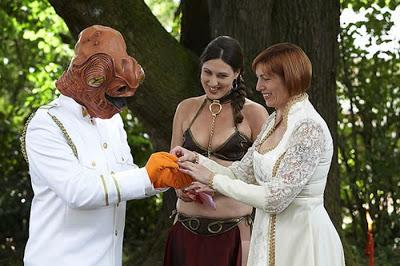 عرسان اخر زمن Funny_wedding_pictures_66