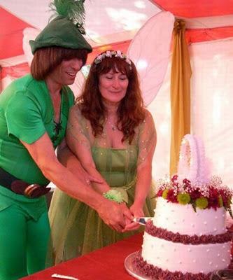 عرسان اخر زمن Funny_wedding_pictures_33