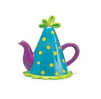 அழகிய மற்றும் வித்தியாசமான தேநீர் குடுவைகள்  Creative-teapots-05