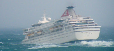 Le Balmoral va retracer le voyage du Titanic en 2012 Article-0-033293AD000005DC-507_634x286