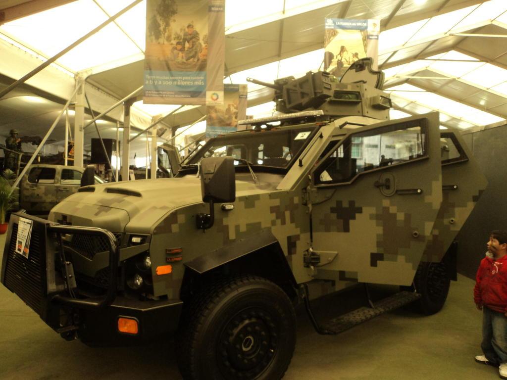 Ejército Mexicano Oshkosh20Sandcat201306gato5