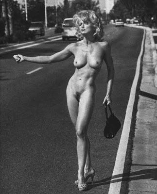 sin palabras - Página 2 Madonna_hitchhike_nude