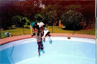 SANS COMMENTAIRES: LE GÉNIE AFRICAIN Pool