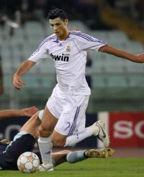 لمحبي الريال مدريد  Cristiano-ronaldo-real-madrid