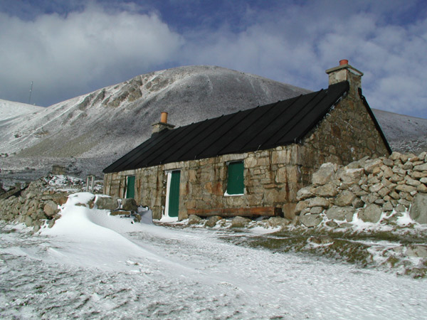 Comunismo feudal Cottage_winter