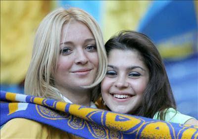 Gente simpatica e juvenil  - Página 2 Ucranianas300606