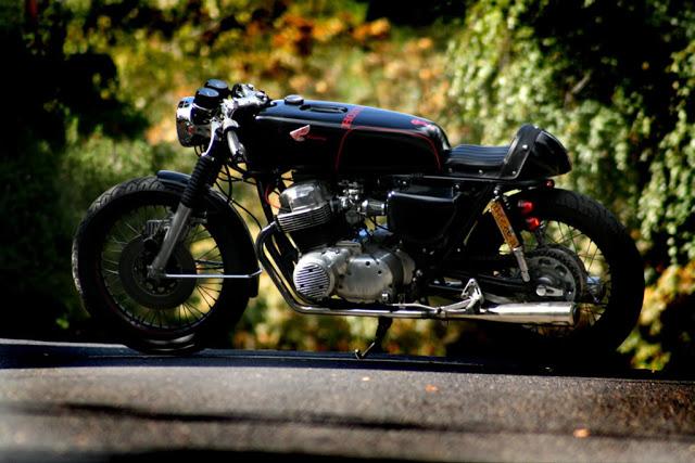une honda four... classique Bike-on-hill-3-2
