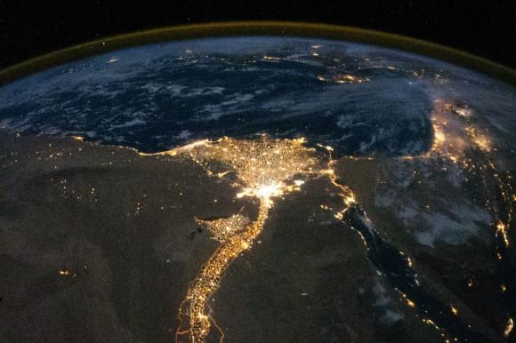 صورة نادرة من الفضاء ''''' ISS025-E-09858_lrg-580x386