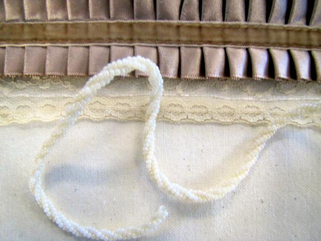 Браслет-манжета из ткани, лент и кружев IMG_8372