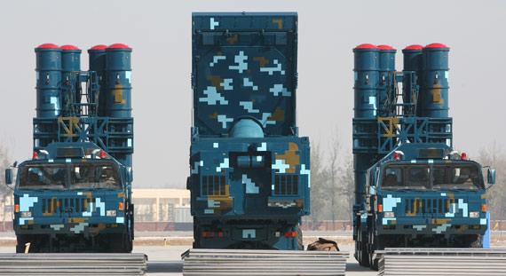 مصر تتفاوض مع الصين على حزمه دفاعيه كامله بالاضافه الى طائرات بدون طيار مسلحة Chinese_HQ-9_SAM_System