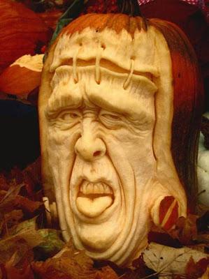 பூசணியில் செதுக்கப்பட்ட வியக்கத்தக்க உருவங்கள்  Pumpkin-carvings-10