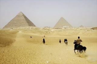Carstvo misterija Piramide-u-gizi-egipat