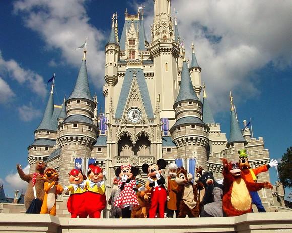 فيــــــــــــلا شهد القلوب - صفحة 12 Disneyland%20paris