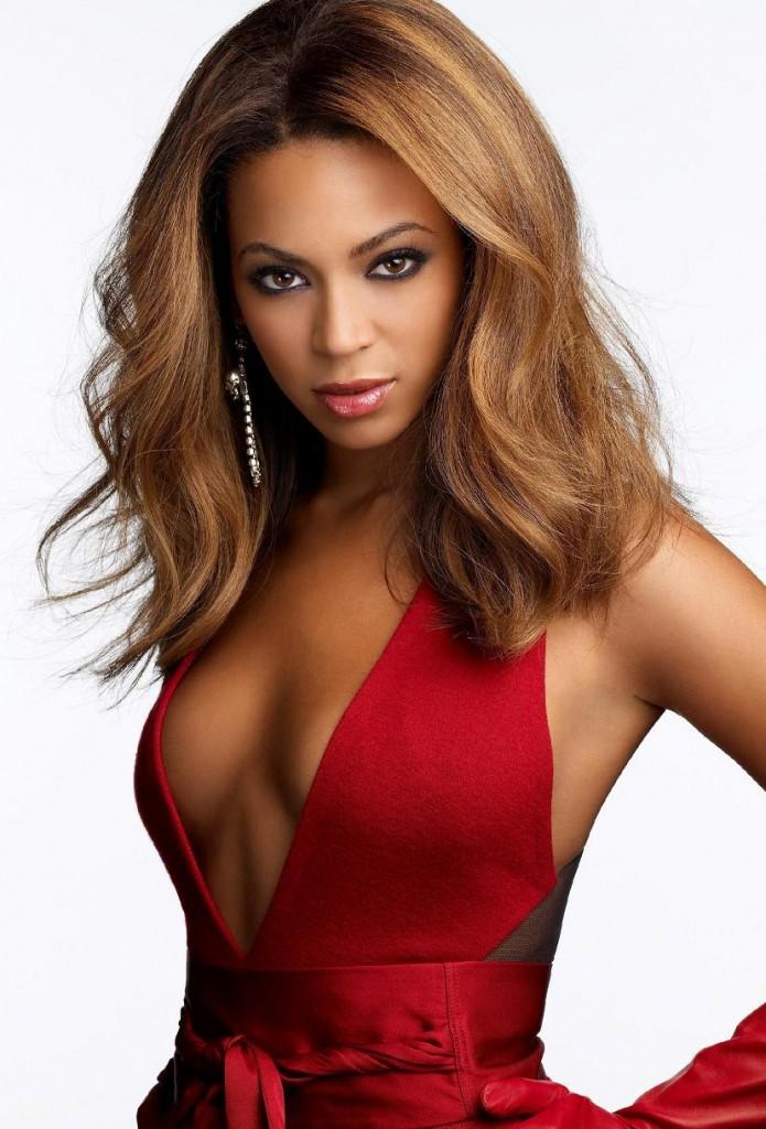 VETEM NGJYRA KUQE.............. Beyonce-red-dress-695x1024