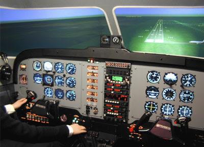 Pilotos Profissionais jogam FSX? Frasca_duchess