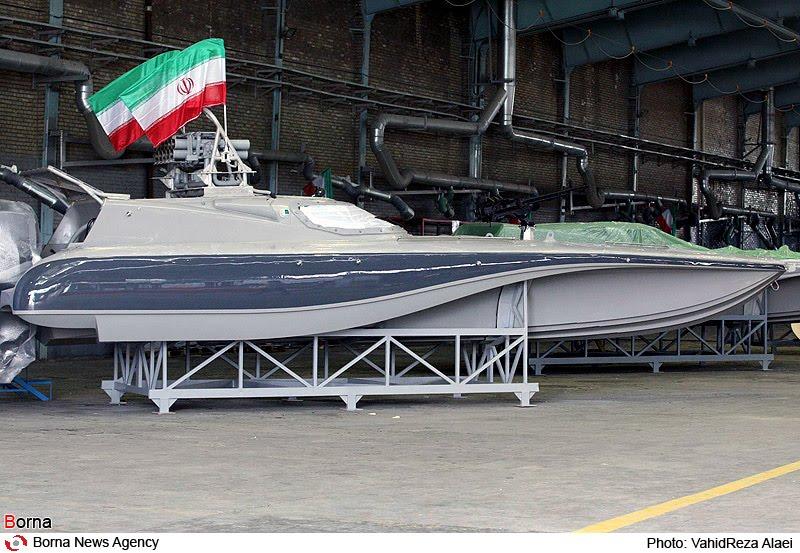 الزوارق والسفن الحربيه الايرانية N00051105-r-b-012