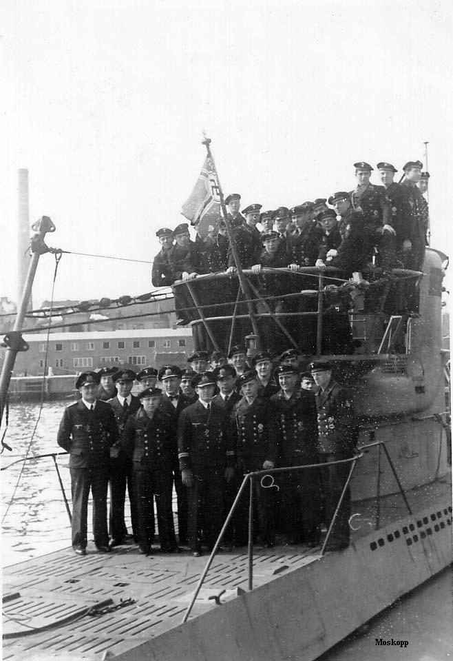 photos de sous-marin et de leur équipage U-52%2Bdi%2BKiel%2B1941