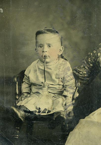 Ropa y accesorios antiguos de bebe, ni@s Biberon-victoriano