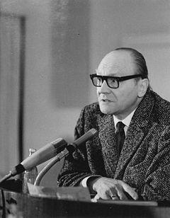 El socialismo real europeo protegió a los pueblos pequeños y minorías nacionales  Jurij
