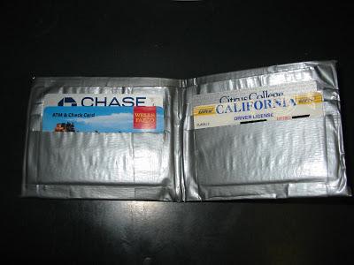 cinta - Si se mueve es que no has puesto suficiente cinta Duct_tape_wallet_bifold_inside