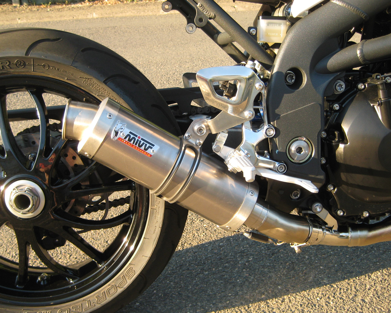 Triumph 1050 Speed triple  - Page 6 IMG_0115