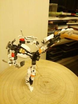 [MakeToys] Produit Tiers - Jouet MTCM-04 Guardia (aka Protectobots - Defensor/Defenso) - Page 2 9mdhFXFY