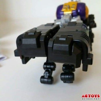 [Fanstoys] Produit Tiers - Jouet FT-12 Grenadier / FT-13 Mercenary / FT-14 Forager - aka Insecticons - Page 2 BKxB44sV