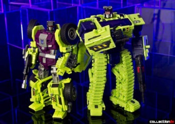 [Toyworld] Produit Tiers - Jouet TW-C Constructor aka Devastator/Dévastateur (Version vert G1 et jaune G2) - Page 4 CHnf3HEW