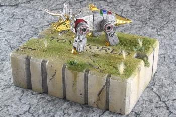 [Toyworld][Zeta Toys] Produit Tiers - Jouet TW-D aka Combiner Dinobots - Page 3 CqL1hscm
