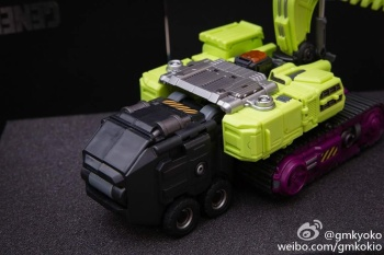[Generation Toy] Produit Tiers - Jouet GT-01 Gravity Builder - aka Devastator/Dévastateur - Page 3 DwDy9FbZ