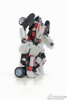 [DX9 Toys] Produit Tiers - UT-D01 Salmoore (aka Cykill des GoBots) + 003C Cocomone (aka Crasher/Démo des GoBots) JAZGAe90