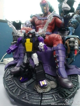 [Fanstoys] Produit Tiers - Jouet FT-12 Grenadier / FT-13 Mercenary / FT-14 Forager - aka Insecticons - Page 2 KnnvQi5Q
