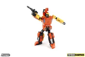 [Unique Toys] Produit Tiers - Jouet Y-03 Sworder - aka Sandstorm/Siroco - Page 2 MpffiNpo