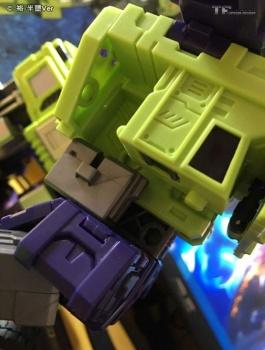 [Toyworld] Produit Tiers - Jouet TW-C Constructor aka Devastator/Dévastateur (Version vert G1 et jaune G2) - Page 6 QnU1V4K3