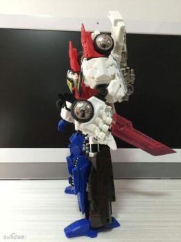 [Mastermind Creations] Produit Tiers - RC-01 Hexatron (aka Sixshot/Hexabot) et RC-01G Grandus Hexatron (aka Greatshot) - Page 3 TSYSvAzP