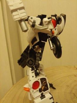 [MakeToys] Produit Tiers - Jouet MTCM-04 Guardia (aka Protectobots - Defensor/Defenso) - Page 2 WKKqy5DM