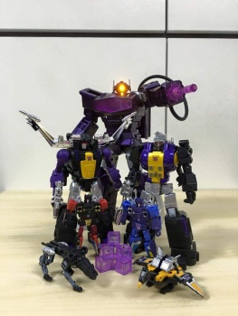 [Fanstoys] Produit Tiers - Jouet FT-12 Grenadier / FT-13 Mercenary / FT-14 Forager - aka Insecticons - Page 3 YaR2KX4D